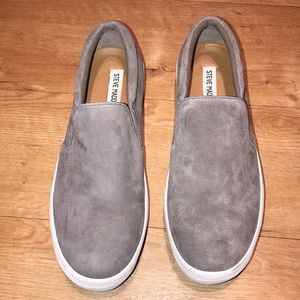 Steve Madden Gills Gray Slip-On's